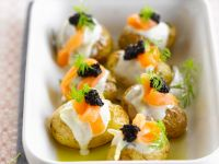 Potatoes with Creme Fraiche and Caviar recipe