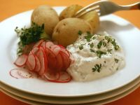 Potatoes with Herbed Quark recipe