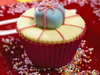 Present Cupcakes for a Party recipe