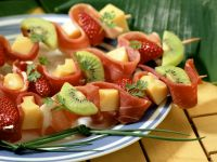 Ham and Fruit Skewers with Cheese recipe