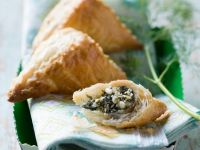 Puff Pastries with Spinach and Feta recipe