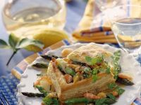 Puff Pastry Filled with Seafood Ragout recipe