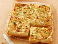 Puff Pastry with Goat Cheese and Leeks recipe