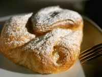 Puff Pastry with Vanilla Filling recipe