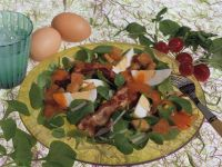 Purslane Salad with Eggs, Bacon and Bell Peppers recipe