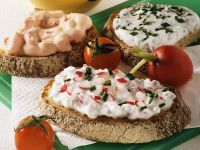Quark Spread with Chives and Radishes recipe