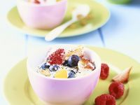 Quark with Berries and Poppy Seeds recipe