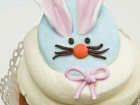 Rabbit Face Buttercream Cakes recipe