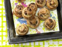 Raisin Buns with Walnuts recipe