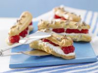 Raspberry Stripes with Quark Cream recipe