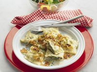 Ravioli with Onions and Spinach recipe