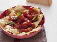 Ravioli with Tomato Sauce recipe