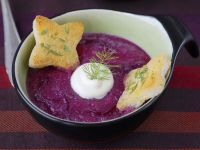 Red Cabbage Soup with Sour Cream and Toast recipe