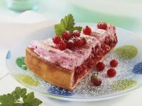 Red Currant Cake with Meringue recipe