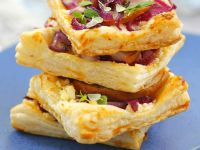Red Onion Tartlets with Salty Cheese recipe