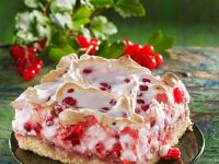 Redcurrant Cake with Meringue recipe