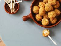 Rice Balls Stuffed with Mozzarella (Arancini)