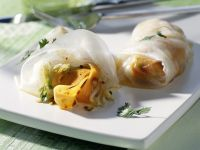 Rice Paper Rolls with Ginger and Vegetables recipe