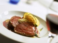 Roast Beef Fillet with Red Wine Sauce and Horseradish Sauce recipe