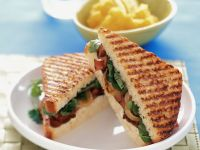 Roast Beef Sandwiches with Lettuce and Onions recipe