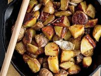Roasted Garlic Potatoes with Cinnamon recipe