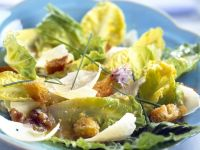 Romaine Salad with Croutons recipe