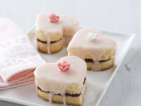 Romantic Iced Cakes recipe