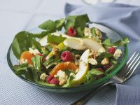 Roquefort and Nut Salad with Pear recipe