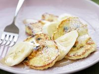 Rum-Raisin Pancakes with Sliced Bananas recipe
