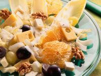 Salad with Cheese, Belgian Endives, Grapes and Walnuts recipe