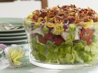 Salad with Chicken Breast, Gouda and Bacon recipe