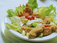 Salad with Crispy Chicken Strips recipe