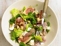Salad with Figs, Ham, and Goat Cheese recipe