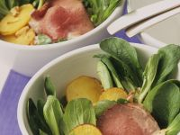Salad with Fried Potatoes and Roast Beef