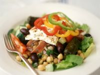 Salad with Goats Cheese, Chickpeas and Stuffed Vine Leaves recipe
