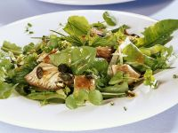 Salad with Herbs, Oyster Mushrooms and Pumpkin Seeds recipe