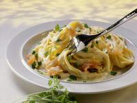 Salmon and Pea Spaghetti recipe