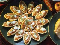 Salmon Boats with Dill Sauce recipe