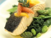 Salmon Fillet with Citrus Fruits and Green Vegetables recipe