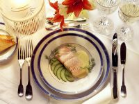 Salmon with Hollandaise Sauce recipe