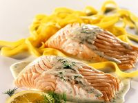 Salmon with Pasta and Lemon Sauce recipe