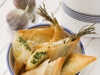 Salty Cheese and Spinach Pastries recipe