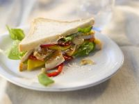 Sandwich with Chicken and Mango recipe