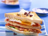 Sandwich with Egg and Bacon recipe