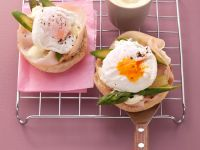 Sandwiches with Poached Eggs and Ham recipe