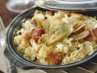 Sauerkraut with Bacon and Goose Liver recipe