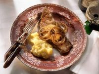 Sautéed Calf's Liver with Onions, Apples and Mashed Potatoes recipe