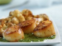 Scallops with Green Salsa recipe