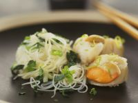 Scallops with Rice Noodles recipe