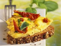 Scrambled Eggs with Tomatoes on Bread recipe